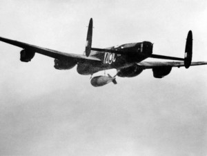 Lancaster_617_Sqn_RAF_dropping_Grand_Slam_bomb_on_Arnsberg_viaduct_1945